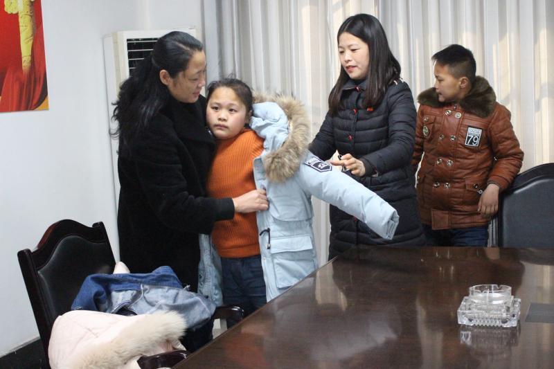 """邳州公路站""""党员妈妈""""连续十四年结对帮"""