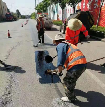 贾汪公路站加强农村公路病害整治 确保群众安全出行