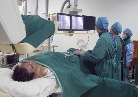 84岁老太突发急性心梗 市中医院胸痛中心为救治患者