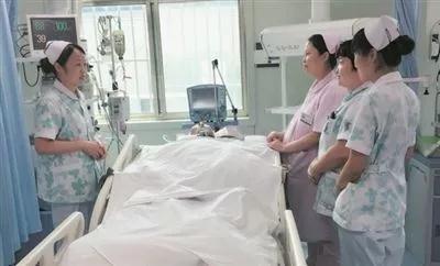 燃烧自己 照亮别人――记徐州市中医院优秀护士长王